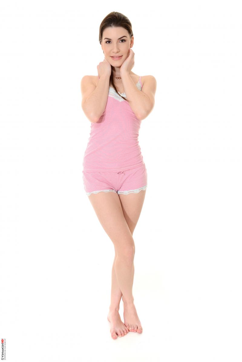 Ennie Paris strips in PJ Party - i-Stripper